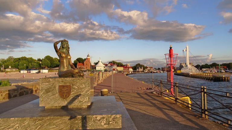 Stolpmünde Ustka Hafen und Leuchtturm